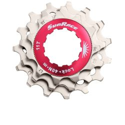set tandkransjes 11 speed  11T 13T 15T Shimano cassette passing by Sunrace
