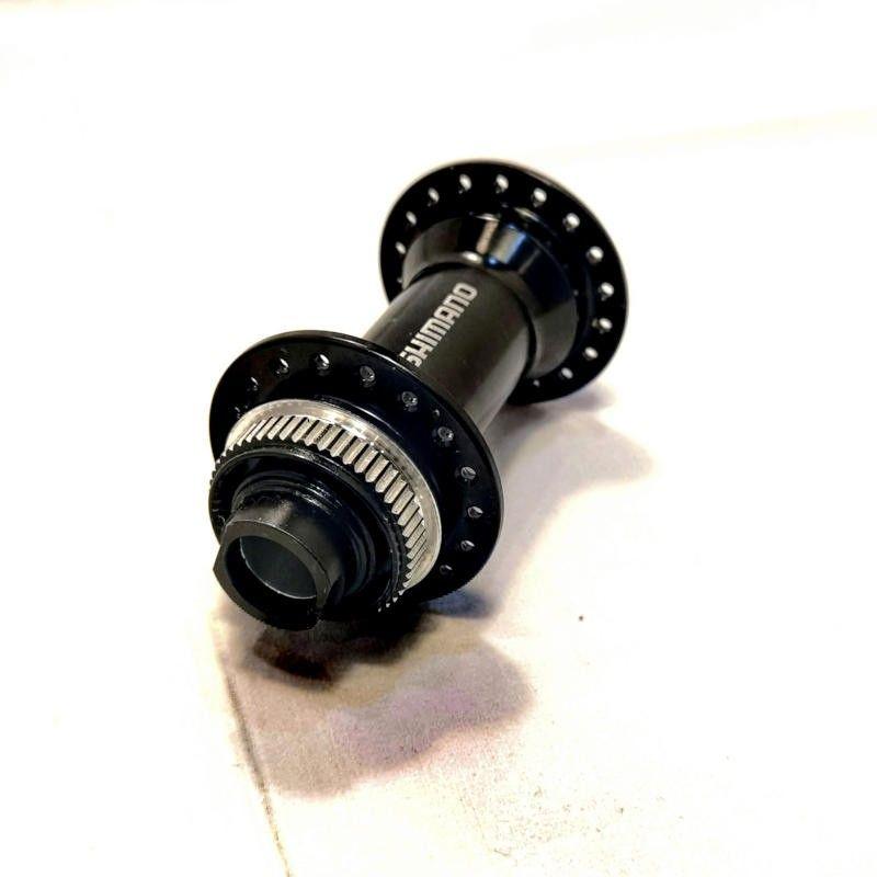Shimano centerlock boost voornaaf MTB HB-MT400-B  32 spaakgaten, voor steekas 15mm, breedte 110mm